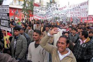 Απεργία πείνας αρχίζουν την Τρίτη 300 μετανάστες